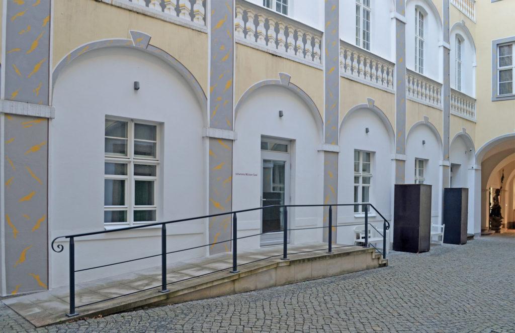 Zugang_vom_Hof