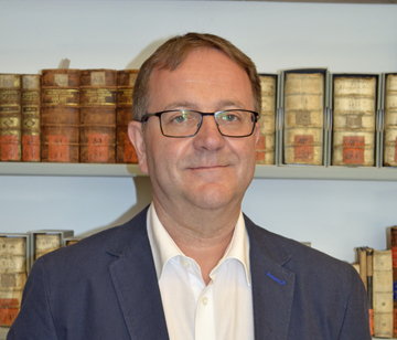 Leiter Bibliotheksleitung Tel. 0049 3581 672282 dr.s.menzel@goerlitz.de